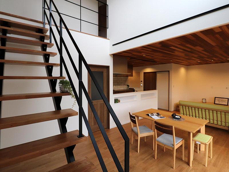 新築フォーセンス完成 アイアン手すり|滋賀で家を建てるなら匠工房