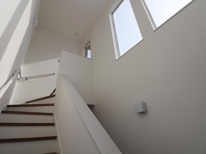新築フォーセンス完成 屋上階段|滋賀で家を建てるなら匠工房