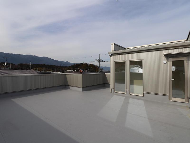 新築フォーセンス完成 屋上|滋賀で家を建てるなら匠工房