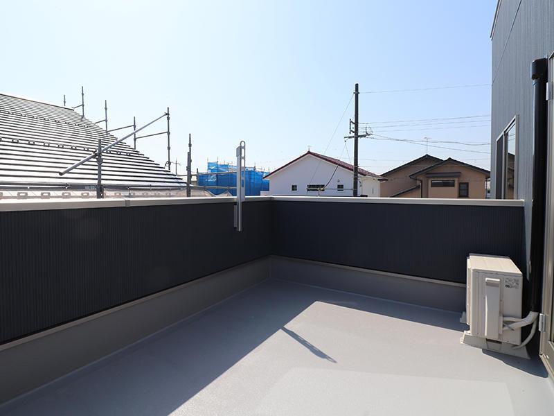 新築ゼロキューブ完成 広々バルコニー|滋賀で家を建てるなら匠工房