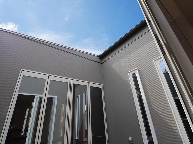 ゼロキューブ完成 中庭|滋賀で家を建てるなら匠工房