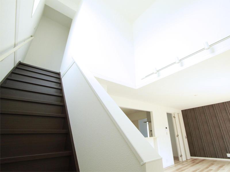 新築 戸建 リビング 階段