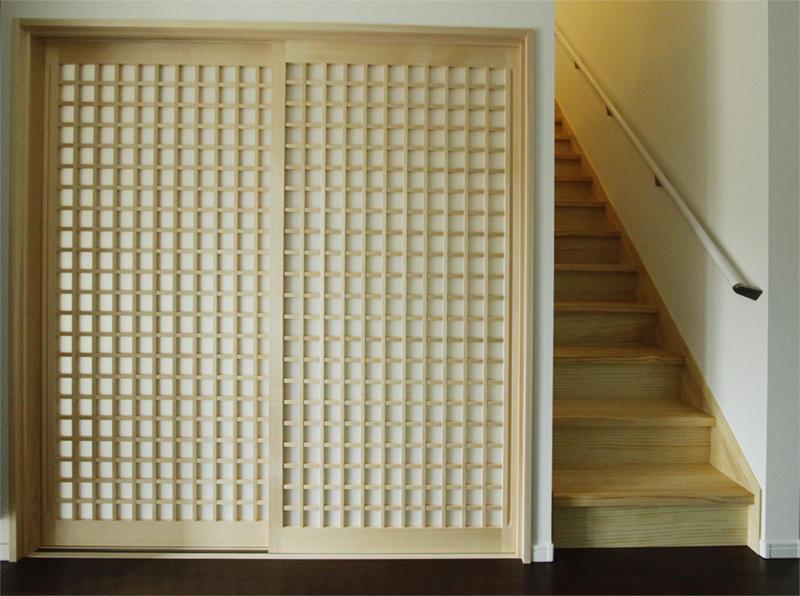 階段 玄関 和室 引き戸