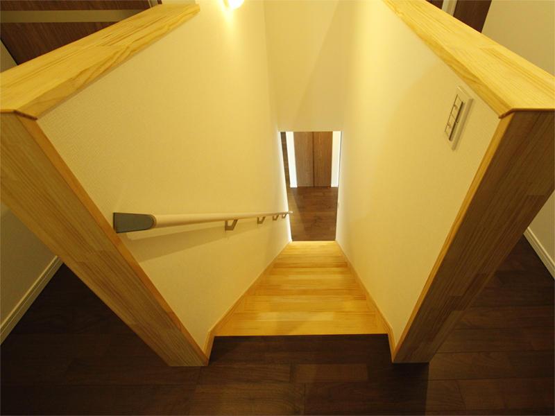 階段 廊下 トイレ 洗面