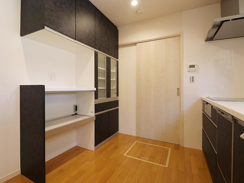 ゼロキューブ新築完成 カップボード|滋賀で家を建てるなら匠工房