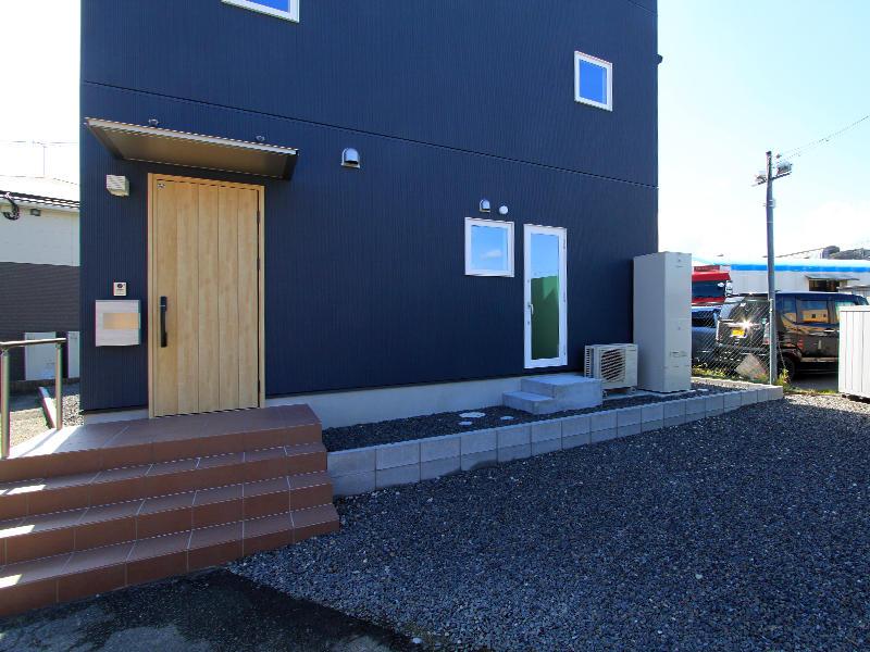 新築ゼロキューブ完成 玄関|滋賀で家を建てるなら匠工房