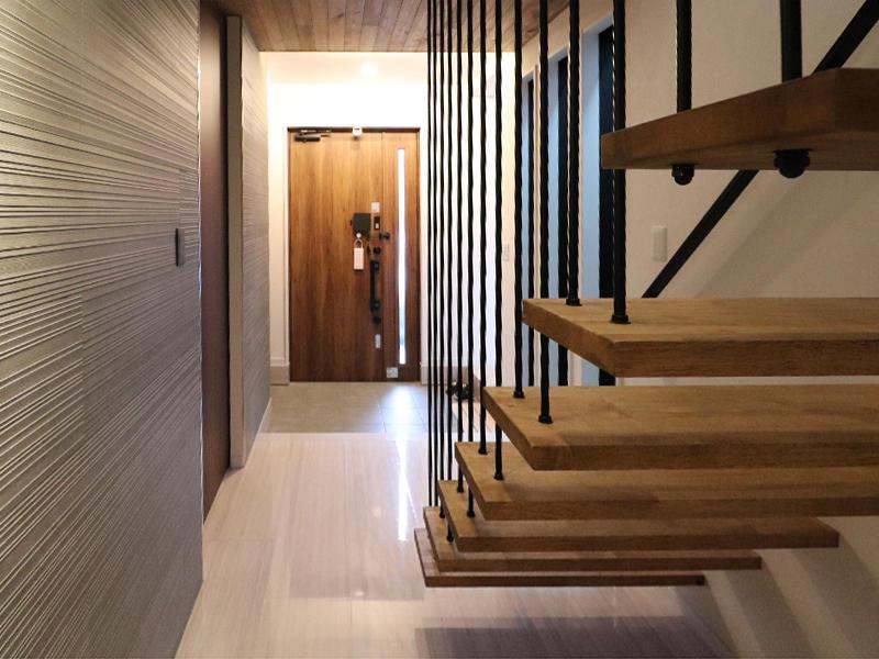 新築フォーセンス完成 玄関ホール|滋賀で家を建てるなら匠工房