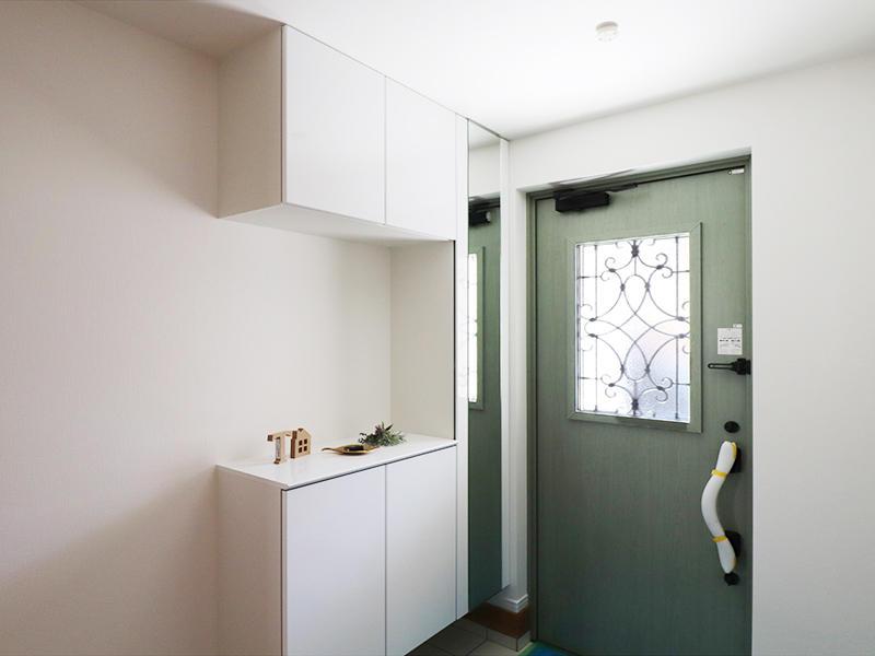 フォーセンス新築完成 玄関|滋賀で家を建てるなら匠工房