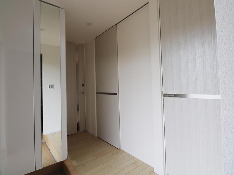 新築フォーセンス完成 玄関ホールスペース|滋賀で家を建てるなら