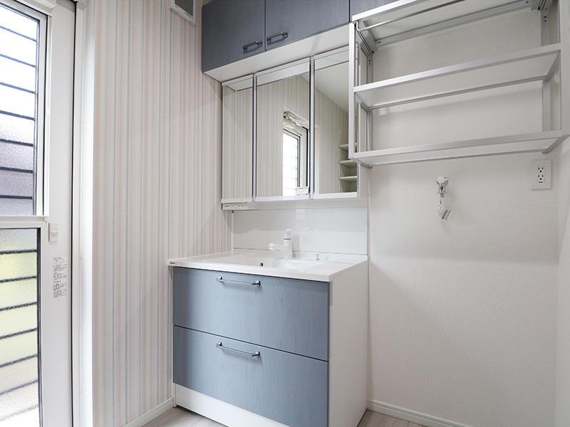 新築フォーセンス完成 洗面化粧台|滋賀で家を建てるなら匠工房